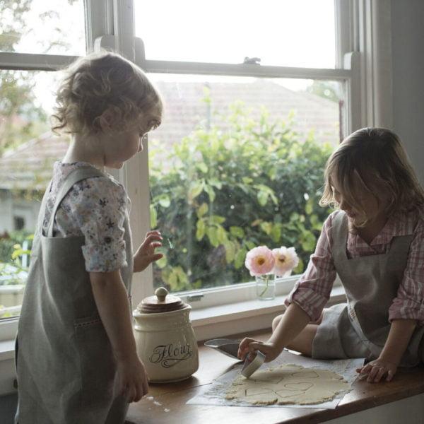 Children's Linen Apron (Japanese Pinafore style)