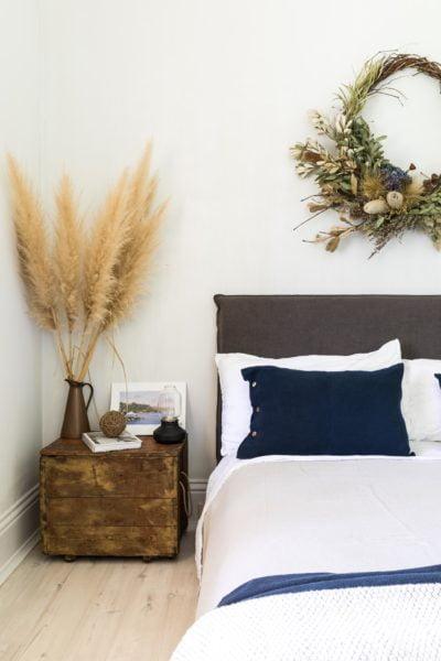 Queen bed details